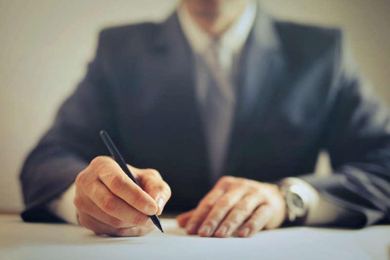 lire un contrat d'assurance incendie en contre expertise